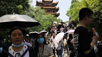 """صورة بعد أن أغلق """"كورونا"""" الأبواب.. الصينيون يجُولون في الداخل"""