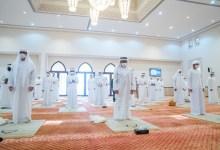 صورة وكالة أنباء الإمارات – حمدان بن زايد يؤدي صلاة عيد الفطر بمسجد قصر ليوا