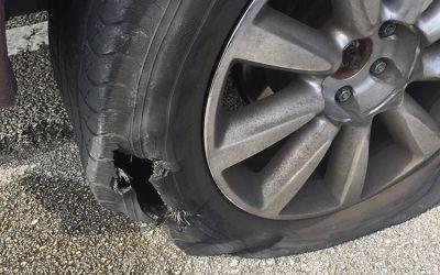 Penyebab Ban Pecah pada Mobil yang Perlu Dihindari