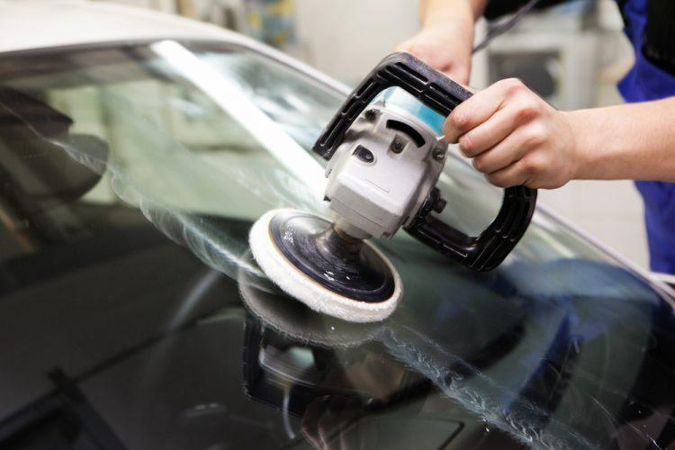 Inilah 9 Tips Merawat Kaca Mobil Agar Tetap Bersih