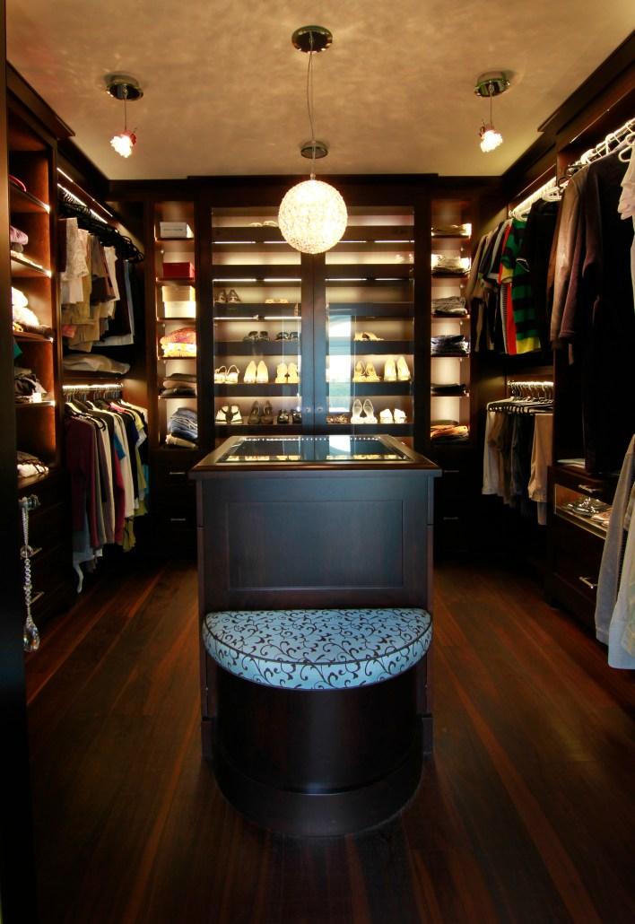 master-walk-in-closet-2