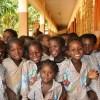 誰だよ、アフリカの子供達にこんな挨拶教えた奴ww