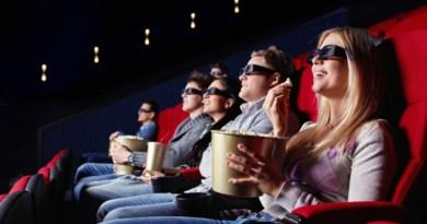 Menonton Film di Bioskop
