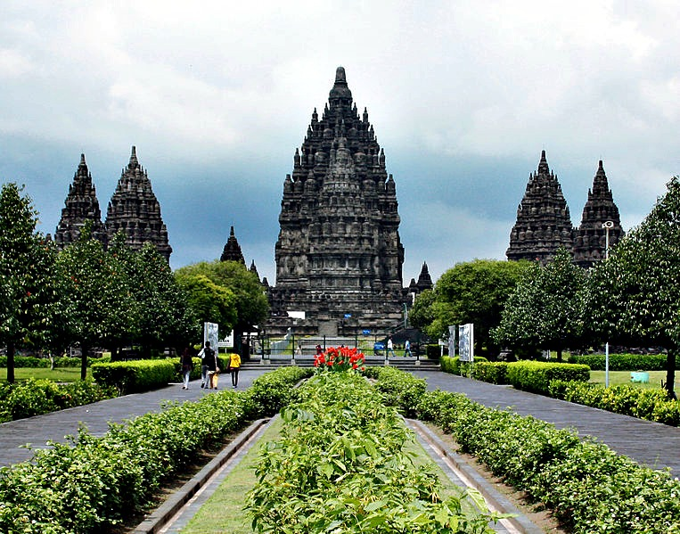 Candi Eksotis di Yogyakarta: Prambanan