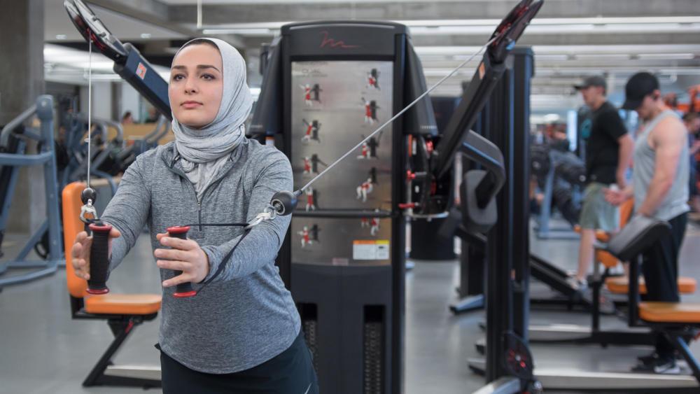 Wanita Hijab nge Gym