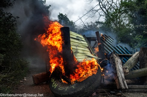 fights about the eviction of barricades on 27/04/2018. barricade set on fire to block the view of the gendarmerie, and stop them from moving forward