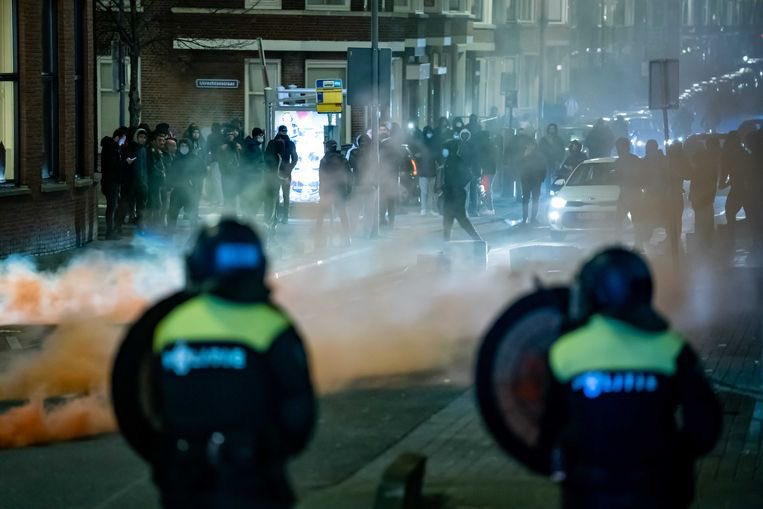 """Corona Riots in the Netherlands: """"The government has 'stolen millions from families' Nl26j"""