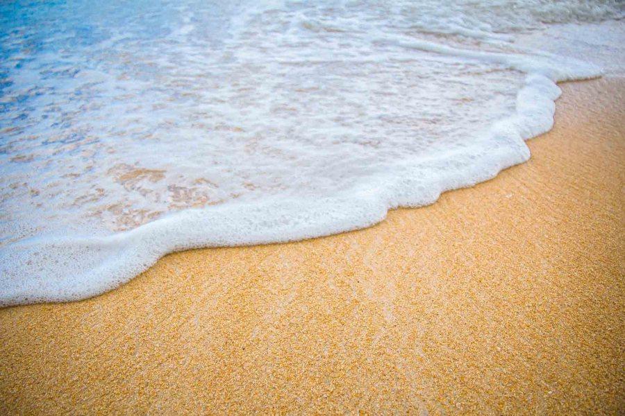 plage sable voyage destination