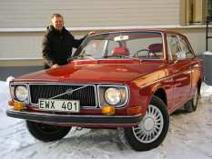 Classic Volvo 142 Gets the DIY Electric Treatment