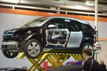 New Report Says 97% of Auto Mechanics Can't Work on Electric Cars