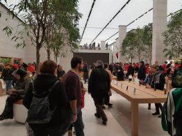 Enorme Apple Store su Regent Street