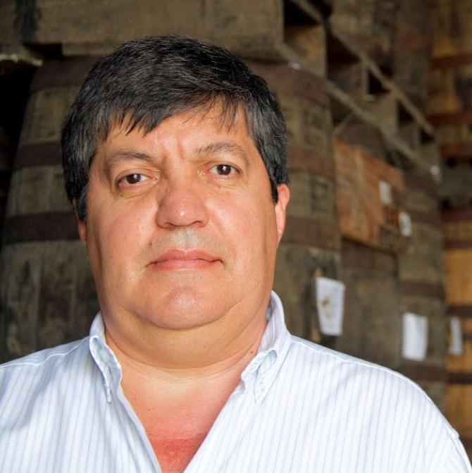 Néstor Ortega - Maestro Ronero Ron Santa Teresa - SAVOIR FAIRE by enrilemoine