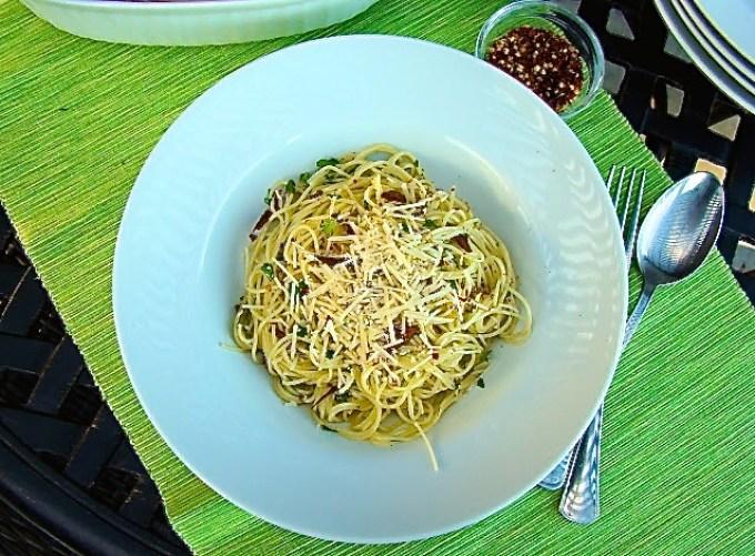 Pasta aglio e olio, plato de pasta con ajo y aceite de oliva
