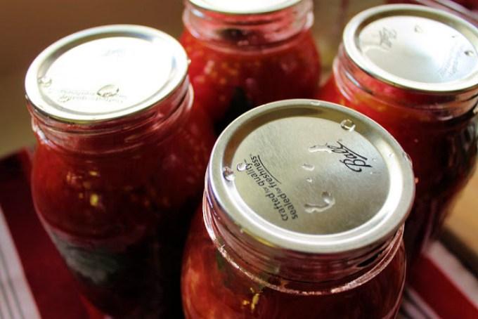 frascos de tomate, tomates en frascos de vidrio, cómo envasar tomates