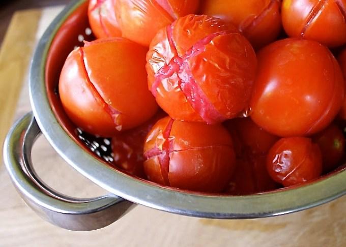 tomatoes, peeling tomatoes, how to peel tomatoes