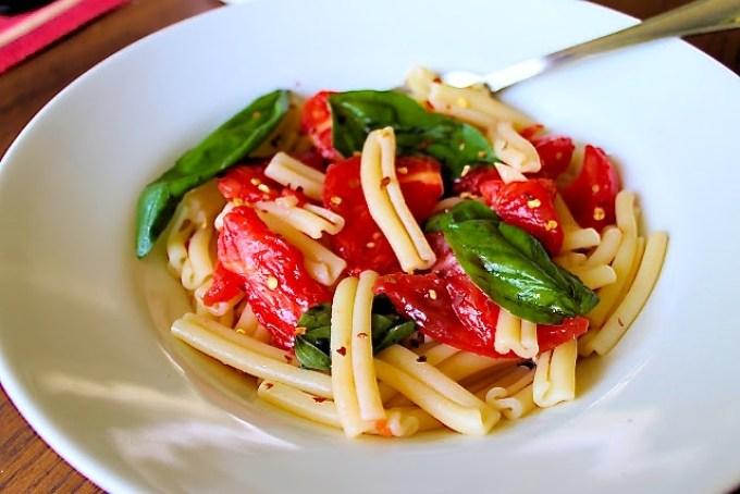 Pasta salad with raw filetto di pomodoro