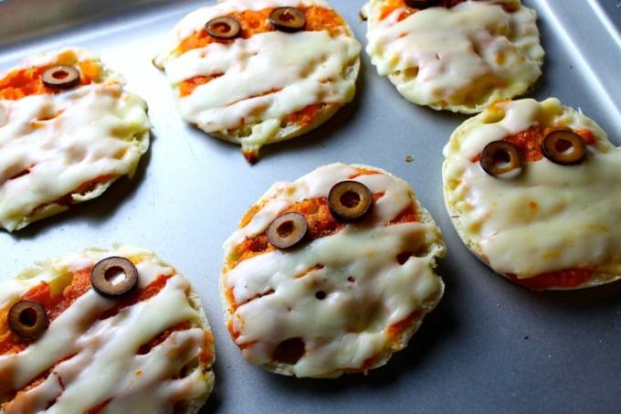 Mummy mini pizzas for Halloween