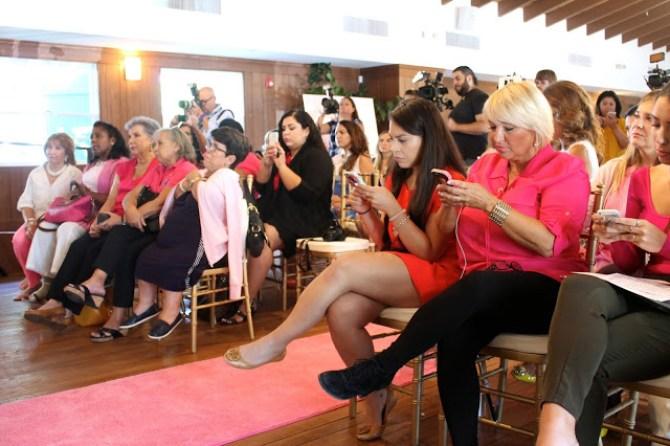 Tócate y gánale la batalla an cáncer de mama - SAVOIR FAIRE by enrilemoine