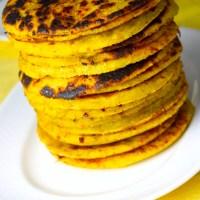 Arepas de plátano con queso blanco
