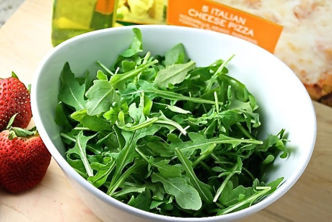 arugula to make Arugula and Strawberries Salad with Almonds