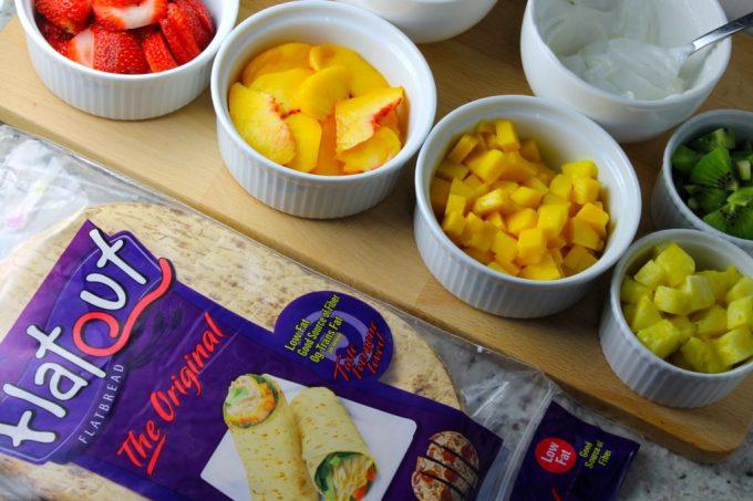 frutas picadita, flat-out bread, pizza de frutas