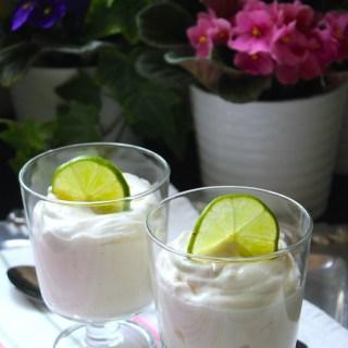Espuma de lima o limón {en 10 minutos y sin horno}