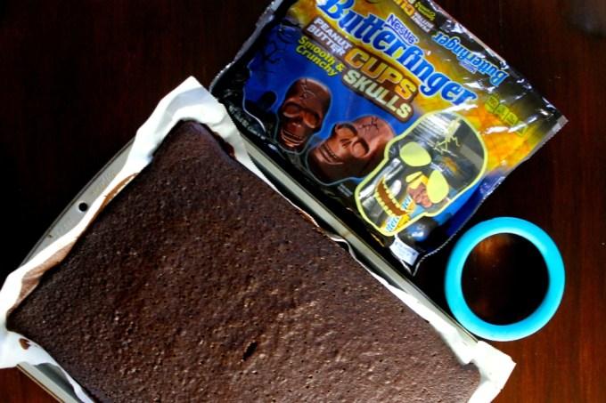 ingredientes para mini pasteles de chocolate para el Día de Muertos