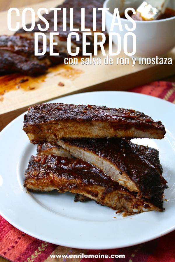 Suculentas, así son estas costillitas de cerdo. Sazonadas con un adobo seco, se asan primero al horno y luego se glasean al grill con una salsa de ron y mostaza. Haz clic para ver la receta y el video paso a paso. #Ad #PorkEsSabor #CostillitasDeCerdo #enrilemoine