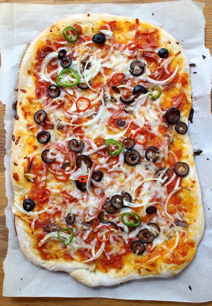Jalapeño and serrano pepper pizza - SAVOIR FAIRE by enrilemoine