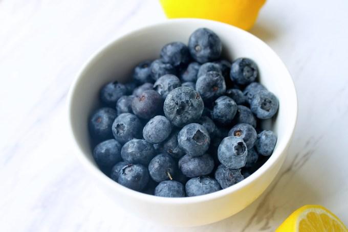 Blueberries by enrilemoine