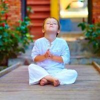 faire méditer un enfant énervé