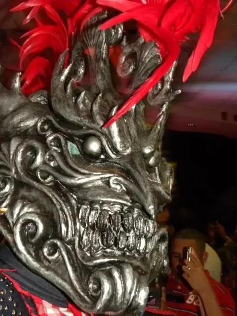 Los Broncos presentan nuevo disfraz para el carnaval Vegano 2011
