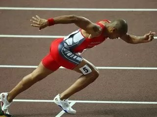 Félix Sánchez ganó 400 m. Vallas bajo techo en el Reino Unido