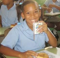 Vuelven a suspender el desayuno escolar ante 5 nuevos intoxicados en Haina