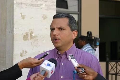 Fidel Santana dice  aseguraque Danilo Medina solo tiene 38% de aprobación