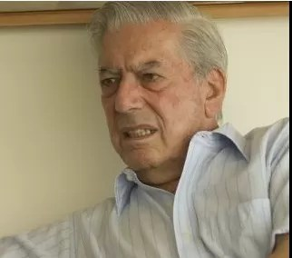 Universidad APEC inviste honoris causa al escritor Mario Vargas Llosa