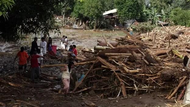 Tormenta dejó al menos 440 muertos en Filipinas