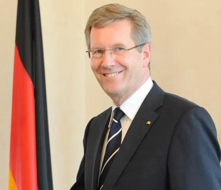 Presidente alemán Christian Wulff renuncia por corrupción