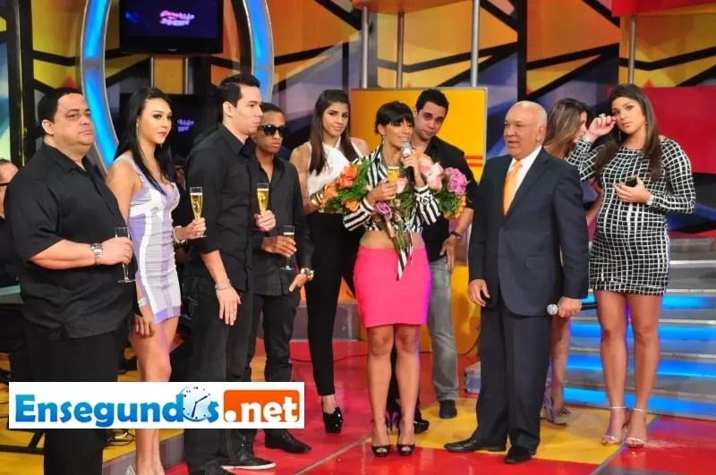 Despedida de Nashla Bogaert en Divertido con Jochy Santos