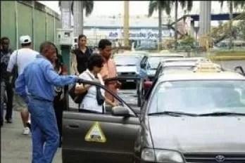 Chóferes de la 27 de febrero amenazan y agreden  periodista