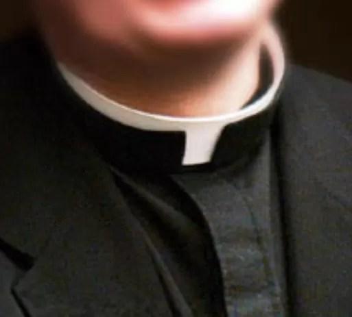 Atracan sacerdote y le quitan 2 mil pesos