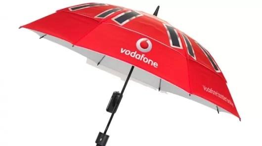 Booster Brolly, el paraguas-cargador que mejora la señal de tu celular