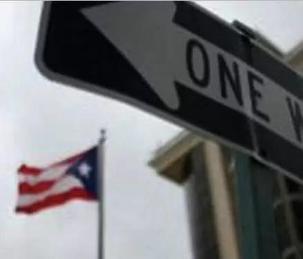 Boricuas recogen firmas para que Puerto Rico se convierta en estado 51 de EEUU