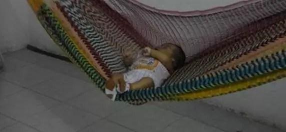 beb e durmiendo