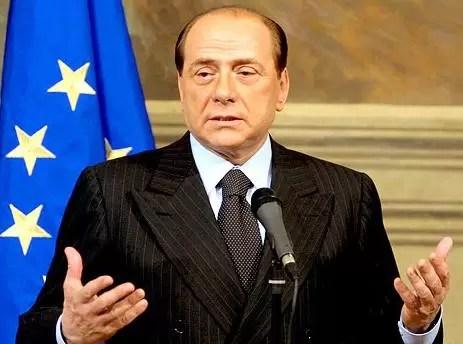Italia : Berlusconi anuncia oficialmente su candidatura