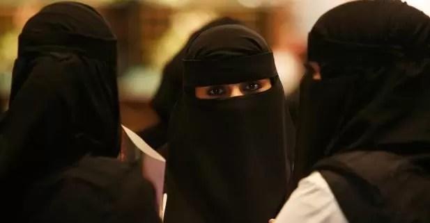 Las mujeres participan por primera vez en unas elecciones en Arabia Saudita