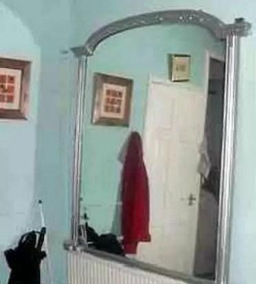 """Por miedo, ponen en venta un espejo """"embrujado"""". Mira las imágenes"""