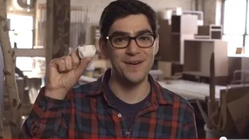 """Atención caballeros: Inventan un pañal pequeño para evitar el """"Goteo"""""""