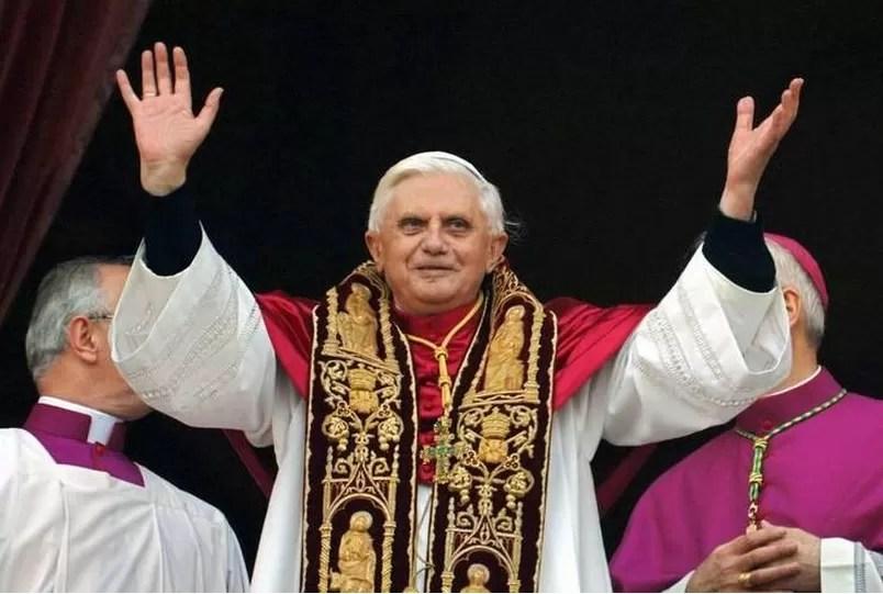 Benedicto XVI confiesa que Dios le pidió su renuncia