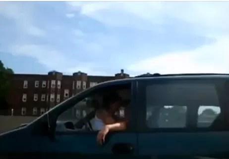 Ohhh: Captan a pareja haciéndolo al conducir